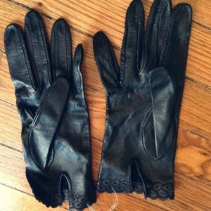 Vintage Gloves -feels leather like suede ruffles